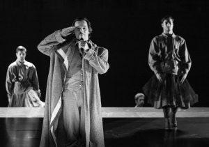 Crítica da peça al mada nada, de Ricardo Pais, com base em textos de Almada Negreiros, reposta no Teatro Nacional de São João no passado dia 7 de Julho de 2017 | INTRO