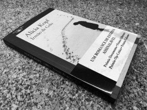 Recensão do livro Irmão de Gelo, escrito pela artista catalã Alicia Kopf (pseudónimo de Imma Ávalos Marqués) e editado pela Alfaguara Portugal em 2018 | INTRO