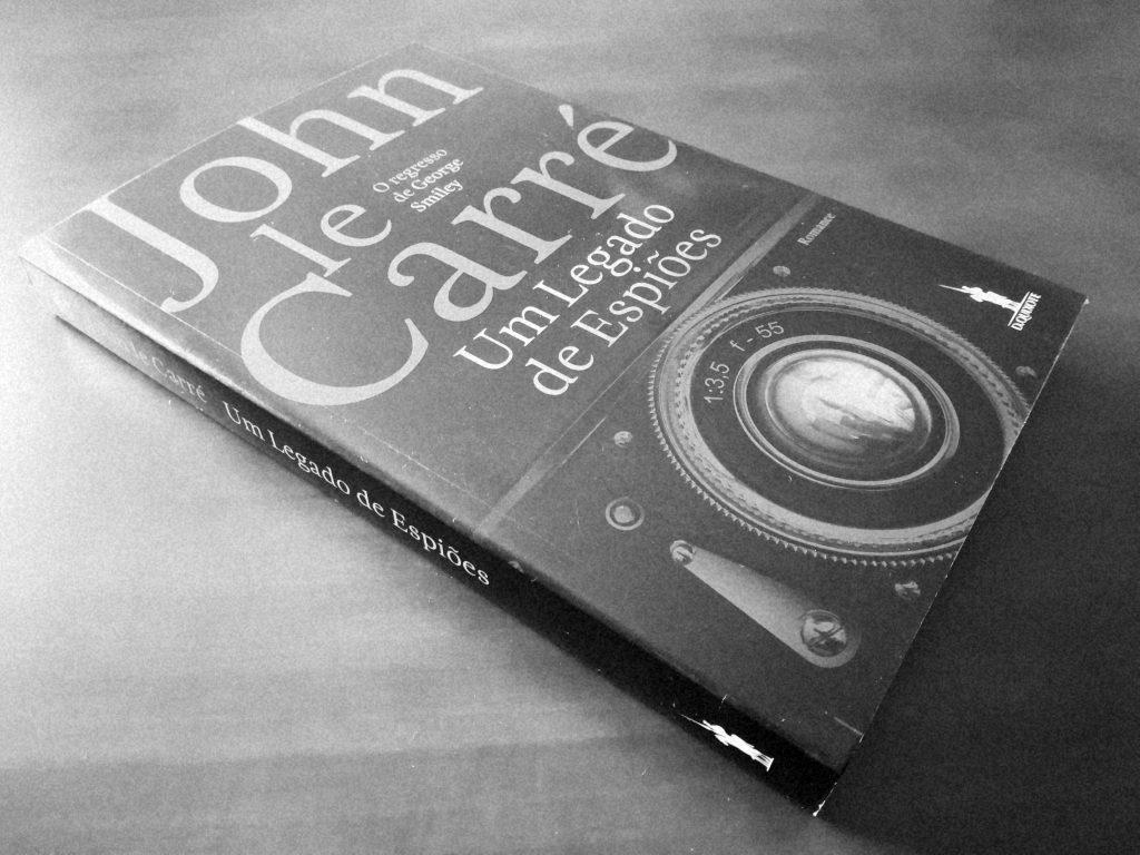 Recensão do livro Um Legado de Espiões, escrito pelo britânico John Le Carré e editado em Portugal pela D. Quixote em 2017   INTRO