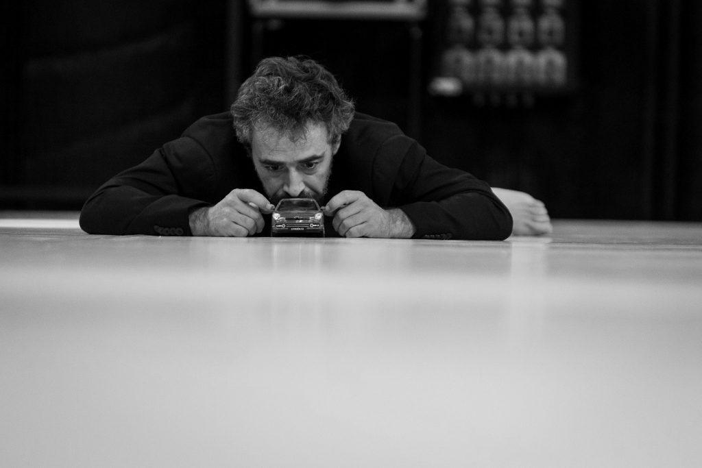 Crítica da peça Bella Figura, escrita por Yasmina Reza e encenada por Nuno Cardoso, apresentada no Teatro Carlos Alberto a 4 de Novembro de 2018   INTRO
