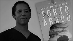 Recensão do livro Torto Arado, da autoria do brasileiro Itamar Vieira Junior, vencedor do Prémio Leya 2018 e editado pela Leya em 2019 | INTRO