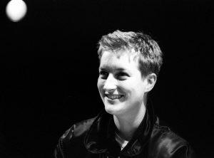 Uma reflexão pessoal sobre a dramaturga britânica Sarah Kane, escrita pela Ana Bessa Carvalho, a propósito do seu leccionamento na universidade | INTRO