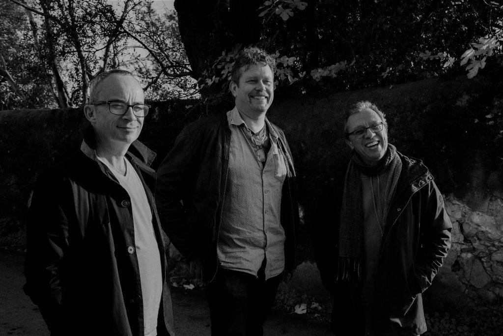 """Crítica do novo álbum """"Atlântico"""" do LAN Trio, composto por Mário Laginha, Julian Argüelles e Helge Andreas Norbakken, com o selo Edition Records   INTRO"""