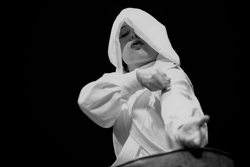 """Crítica da peça """"Anjo"""" de Henry Naylor, apresentada no Theatro Circo a 24 de Maio de 2019 e protagonizada por Teresa Arcanjo   INTRO"""