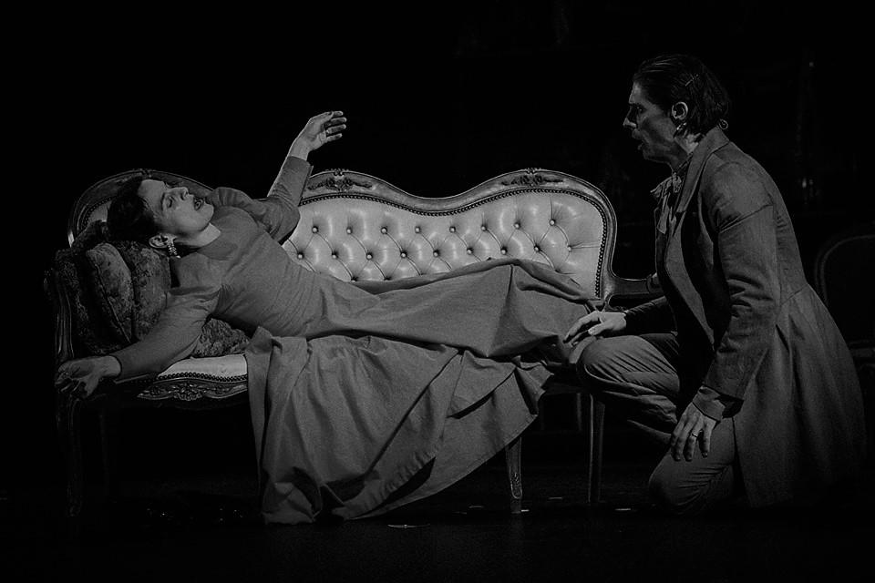 """Crítica do espectáculo """"A Dama das Camélias"""", apresentado no Teatro Municipal São Luiz, em Lisboa, no passado dia 20 de Setembro de 2019   INTRO"""