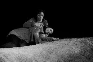 Crítica da peça Vemo-nos ao Nascer do Dia, de Zinnie Harris, no Teatro da Politécnica, pela Artistas Unidos a 8 de Novembro de 2019 | INTRO