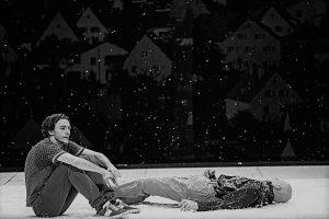 Crítica da peça Qui a tué mon père, escrita por Édouard Louis e encenada/interpretada por Stanislas Nordey, estreada a 7 de Janeiro de 2021 no Teatro Nacional São João | INTRO